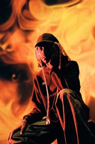 "Videopremiere: Blood Orange - Saint // + full Album stream ""Negro Swan"""