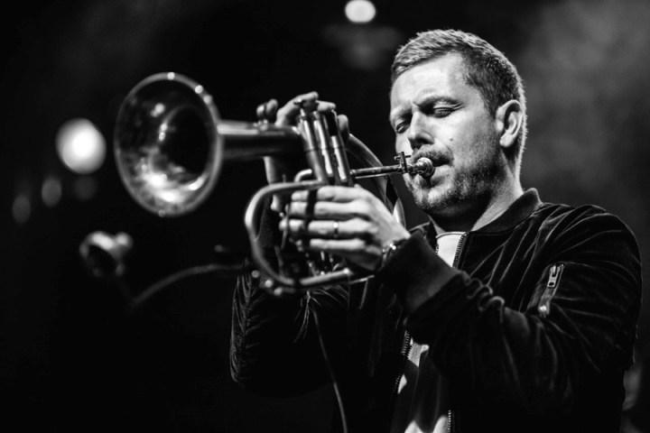 DECADE LIVE - Nils Wülker veröffentlicht sein erstes Live-Album und geht erneut auf Tournee • 2 Videos + full Album stream + Tourdaten