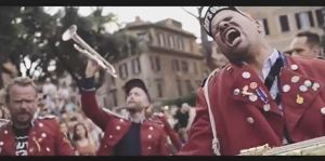 Videotipp: MEUTE - Hey Hey (Dennis Ferrer Rework) [live @ Piazza Trilussa Rom]