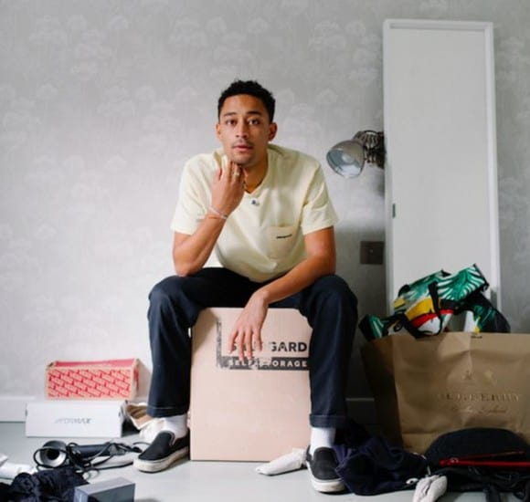 Happy Releaseday: Loyle Carner - Not Waving, But Drowning • Video + Album-Stream