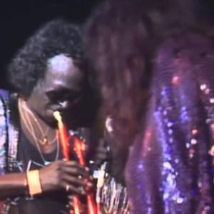 Miles Davis & Chaka Khan: Human Nature (live in Montreux 1989) [Video]