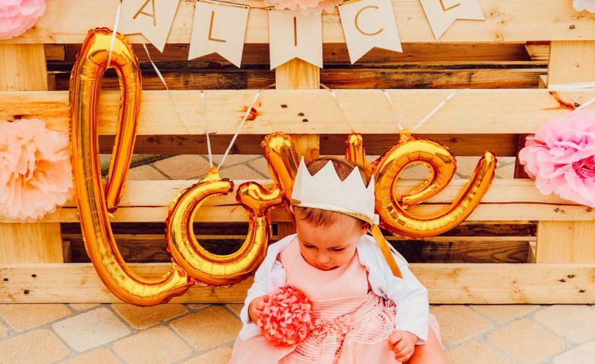 Premier anniversaire de Alice : déco, gâteau et cadeaux