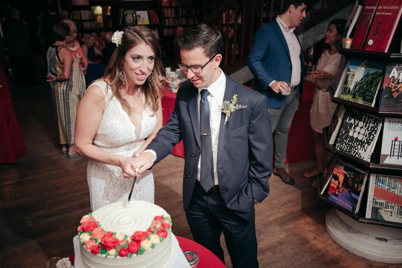 Manhattan Elopement Wedding Cake Cutting