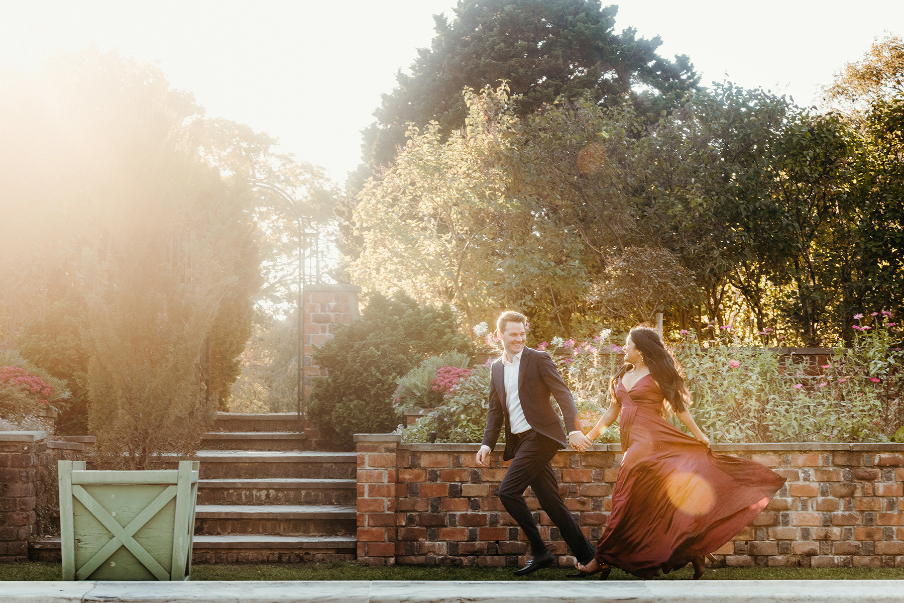 Chic Planting Fields Engagement Session