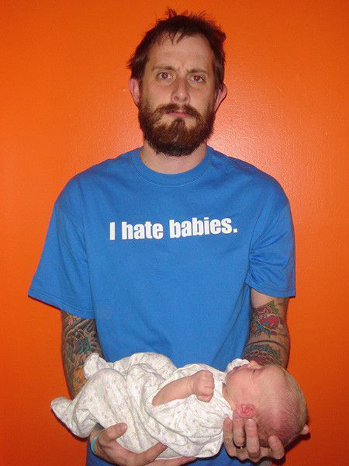 Bad-Family-Photos-I-Hate-Babies