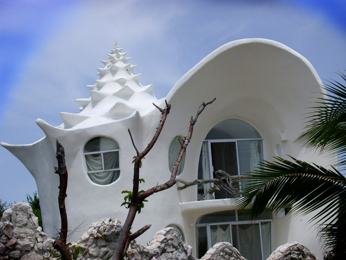 19-33-Worlds-Top-Strangest-Buildings-Conch-Shell-House-Isla-Mujeres1