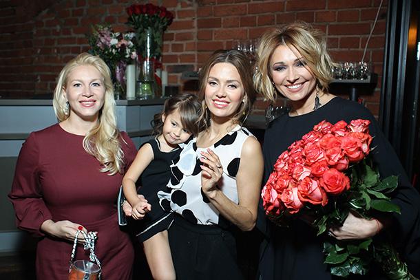 Екатерина Одинцова, Виктория Боня с дочкой Анджелиной и Анжелика Агурбаш