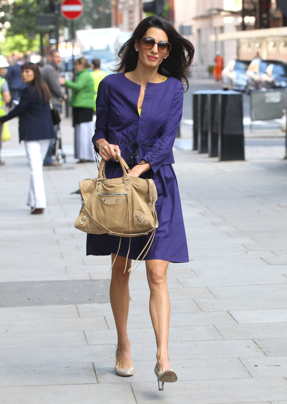 Classic-Slouchy-Balenciaga-Bag-Neutralize-Your-Bold-Suit.jpg.pagespeed.ce.A7kc1h-EPQ