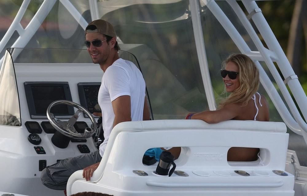 EXCLUSIVE: Anna Kournikova and Enrique Iglesias docking at their new multimillion dollar Mansion in Miami Beach
