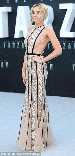 35FB472600000578-3675778-See_through_style_Margot_Robbie_looked_incredible_in_a_sheer_pat-a-36_1467741882449