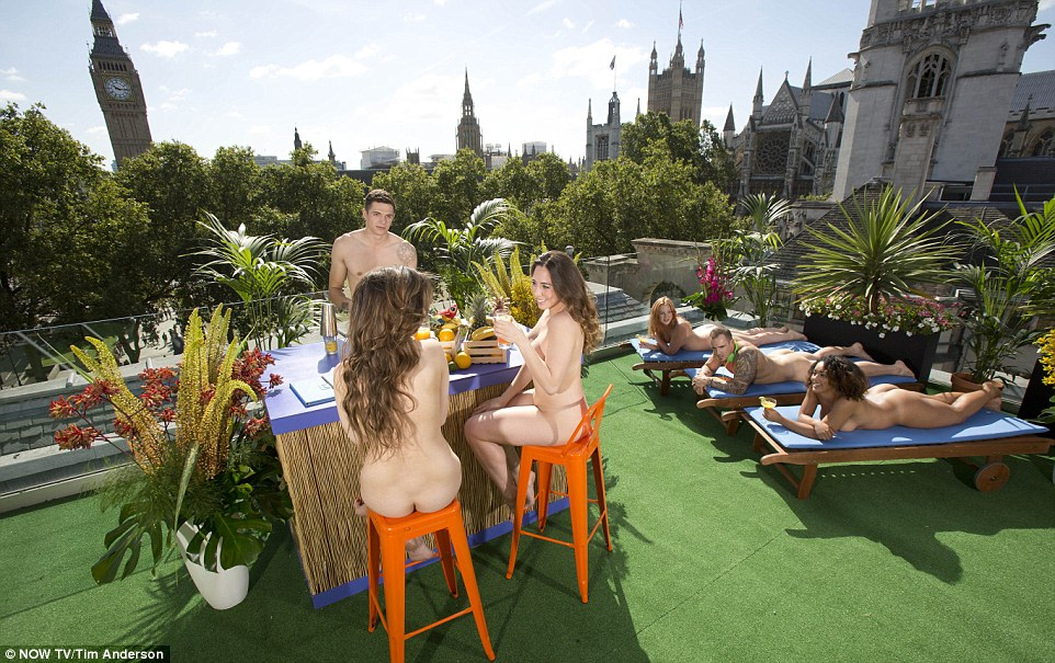 3710C66E00000578-3734312-It_seems_the_terrace_is_part_of_an_emerging_nudist_craze_is_swee-a-8_1470901689435