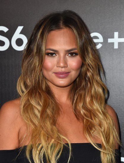 chrissy-teigen-attends-the-samsung-galaxy-s6-edge-plus-and-note-5-launch-party-on-august-18-2015-in-west-hollywood-california