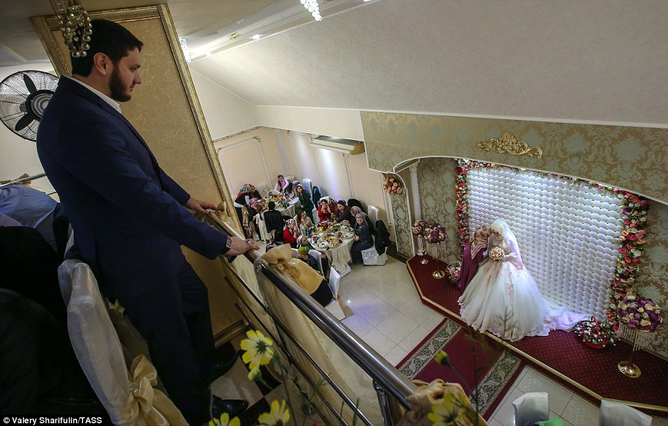 3ab73e9f00000578-3968480-but_despite_both_the_bride_and_groom_being_at_the_ceremony_the_g-a-54_1480006899336