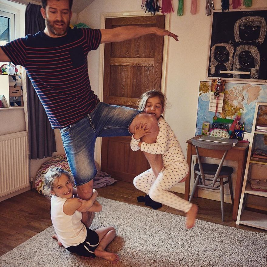 funny-parenting-reality-father-of-daughter-simon-hooper-5830a153787ed__880