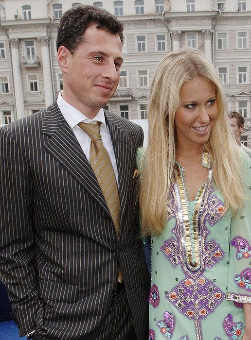 Как Ксения Собчак сбежала с собственной свадьбы с миллиардером — фото