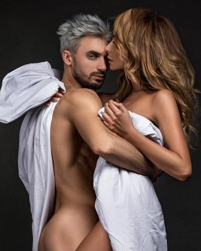 Катя Варнава разделась для фотосессии со своим женихом — фото