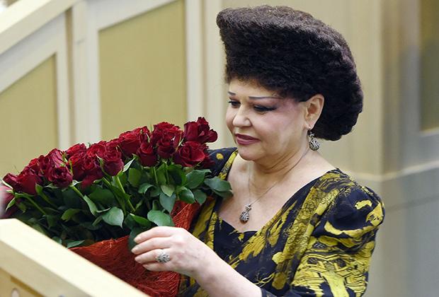 Прическа российской сенаторши взорвала западные СМИ — фото