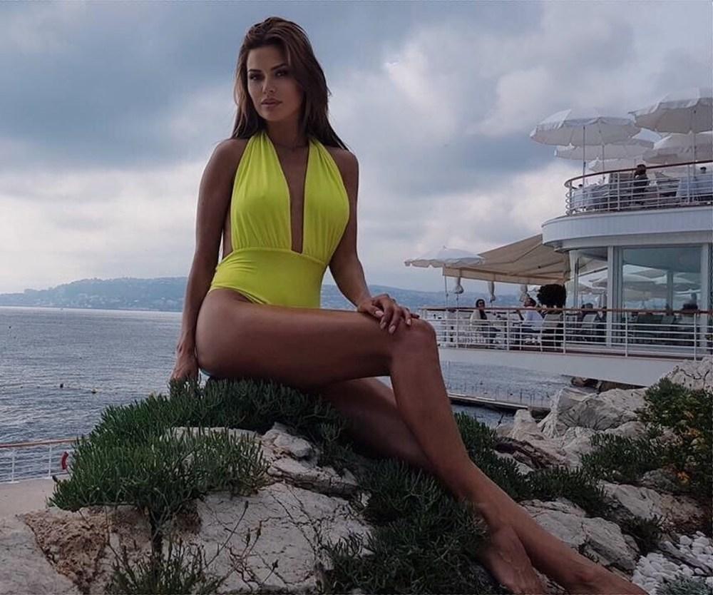 Папарацци показали реальные фото Виктории Бони в бикини (совсем не так, как в ее Инстаграме)