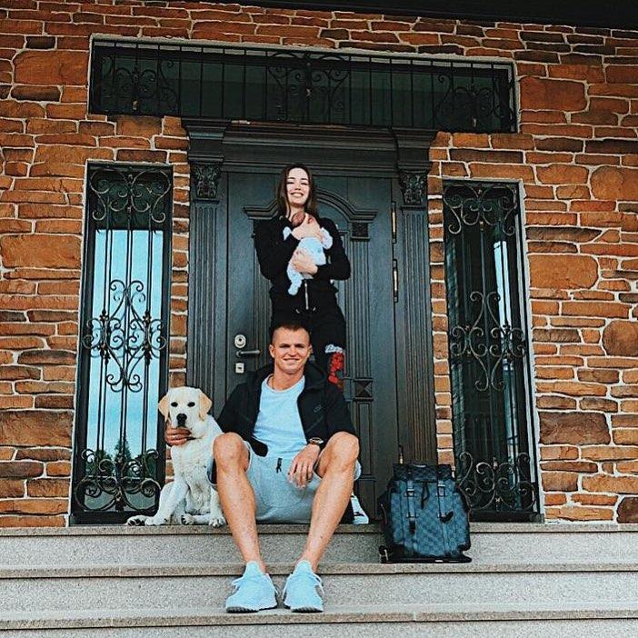 Тарасов хвастается пополнением в семье, а Костенко — фигурой