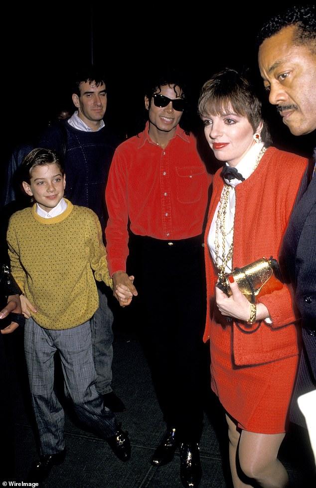 Новый фильм о Майкле Джексоне шокировал подробностями о педофилии