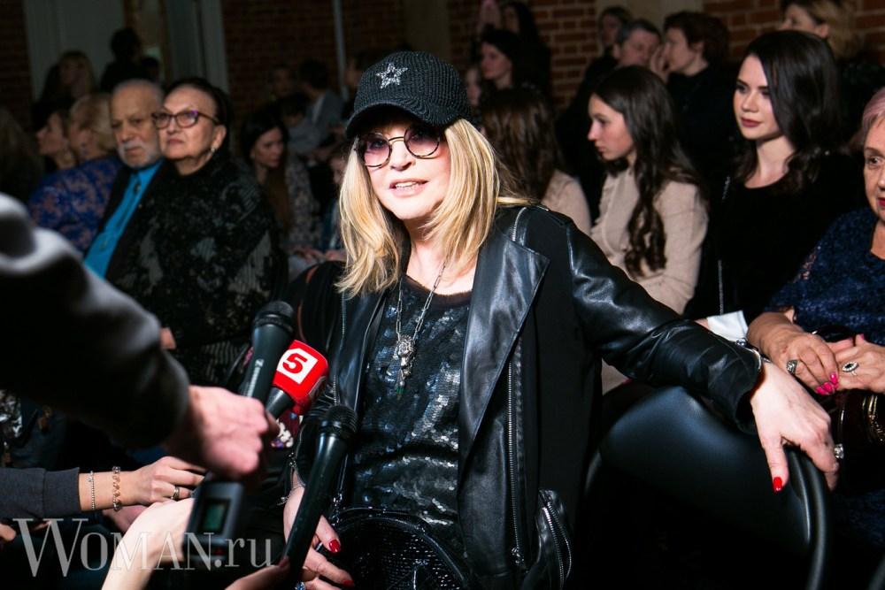 69-летняя Пугачева посетила модный показ с участием ее 5-летней дочки — фото