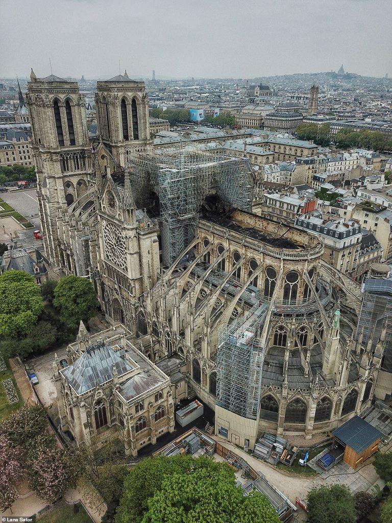 Аэросъемка показала масштаб разрушения Собора Парижской Богоматери после пожара