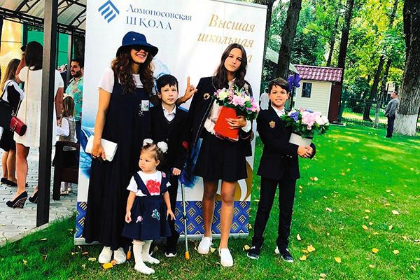 СМИ: Многодетная мама Екатерина Климова разводится с третьим мужем