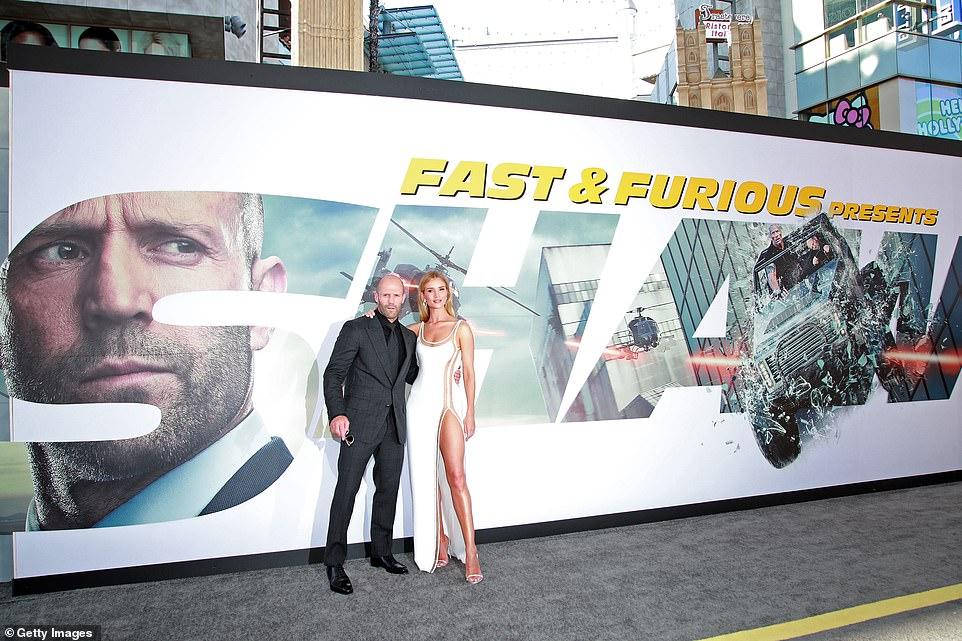 Джейсон Стэтхем с возлюбленной на премьере «Форсажа» — фото
