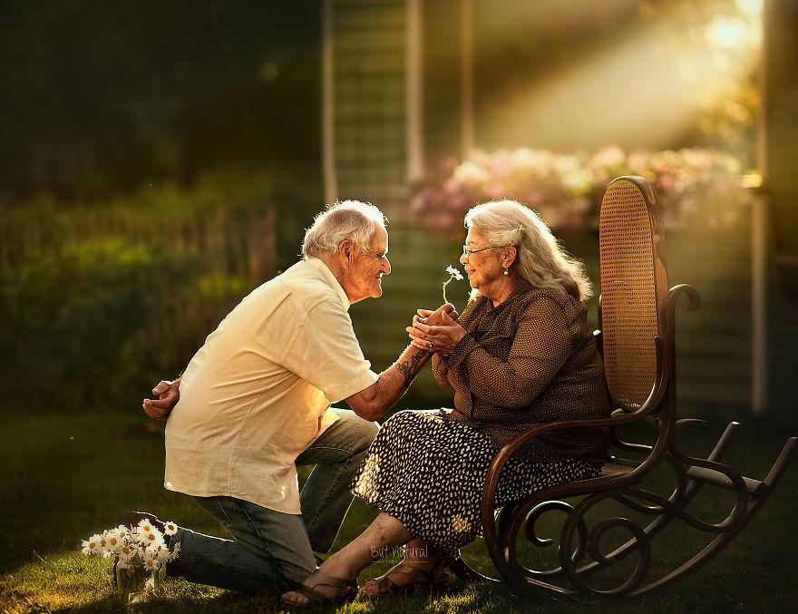 Честная и настоящая любовь пожилых пар — фото
