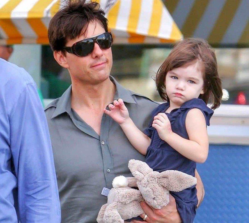 Сайентологи запретили Тому Крузу видеться с дочкой от Кэти Холмс