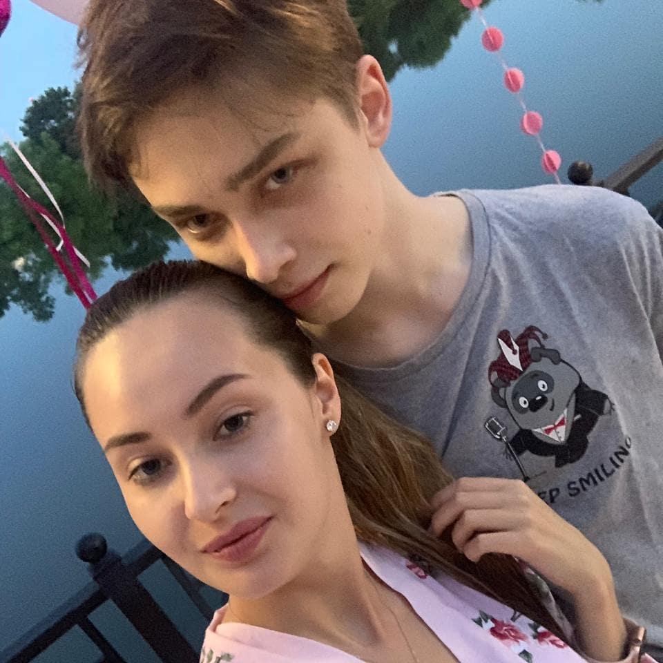 17-летний сын Королевой и Тарзана закрутил роман с моделью из «Дом-2»