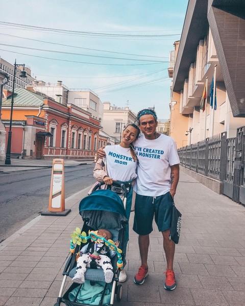 Регина Тодоренко впервые показала личико сына от Влада Топалова — фото