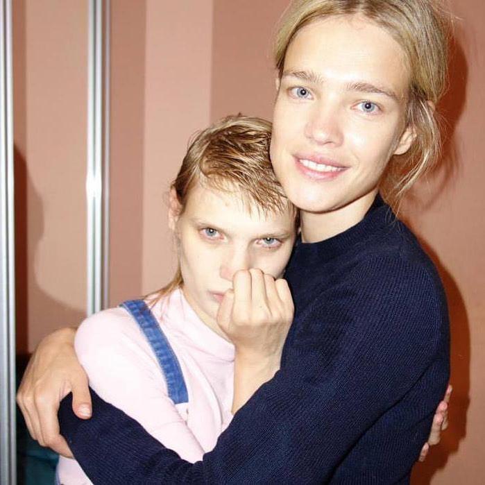 Наталья Водянова поблагодарила свою сестру с ДЦП за вдохновение
