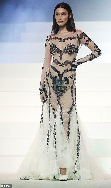Известные модели показали последнюю коллекцию Жана-Поля Готье: модельер ушел на пенсию