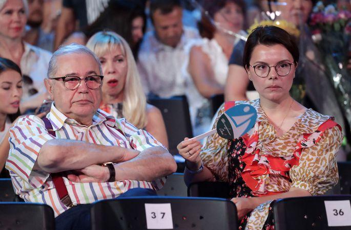 СМИ: у Петросяна и его молодой жены родился ребенок
