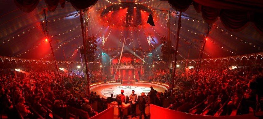 Circus Roncalli auf Jubiläumstournee: Die Reise zum Regenbogen 2017!