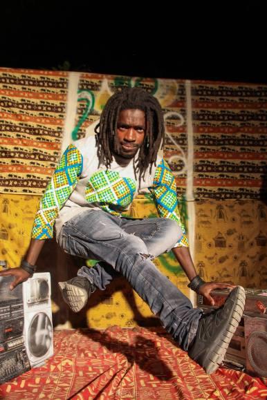 """April 23: Dieser Workshop vermittelt verschiedene urban african dance – Stile wie zum Beispiel """"Couper Decaler und """"Kuduro"""". Ziel ist es, die verschiedenen Ausdrucksweisen und Charakteristika der jungen afrikanischen Generation kennen zu lernen und mit Spass auszuprobieren. Hierbei stehen auch der Hintergrund der einzelnen Stile und die Kommunikation zwischen den TänzerInnen im Vordergrund. Der Workshop richtet sich an alle, die an verschiedenen urban african dance-Stilen interessiert sind. Tänzerische Vorkenntnisse werden nicht vorausgesetzt. PREIS: 20 € @ Motions Tanz Studio, 2-4pm"""