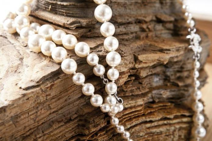 birthstone pearl