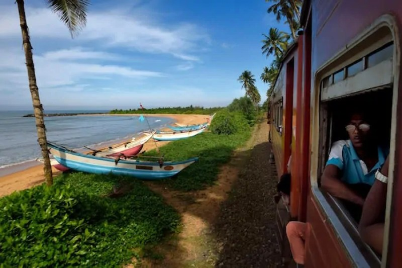 Sri Lanka Train Travel - Train from Galle to Matara