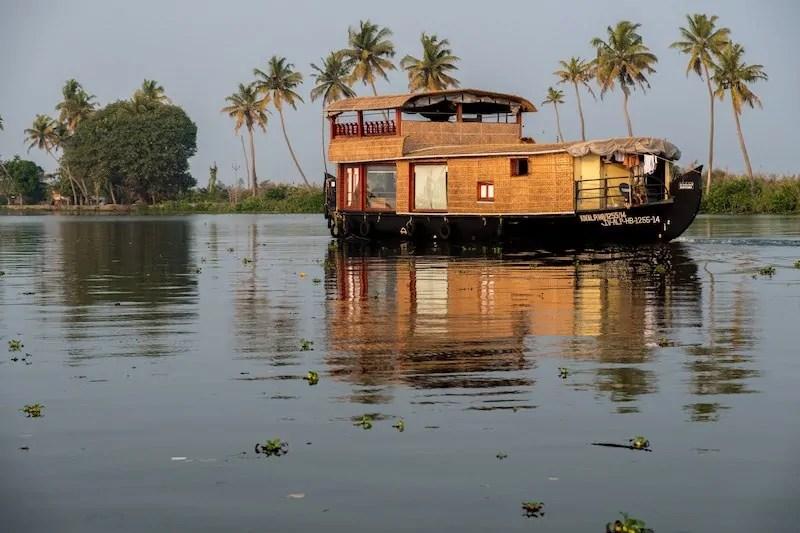 responsible travel kerala backwaters