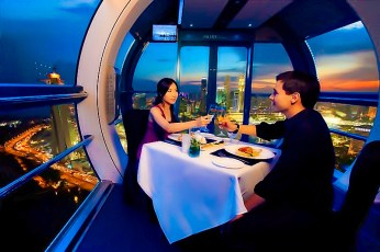 Dining Ferris wheel dining singapore-flyer-private-dining-1