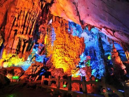 reed_fluete_cave_colorful_rock_2