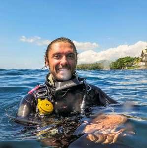 Scuba diver at surface, Cameron Hookey