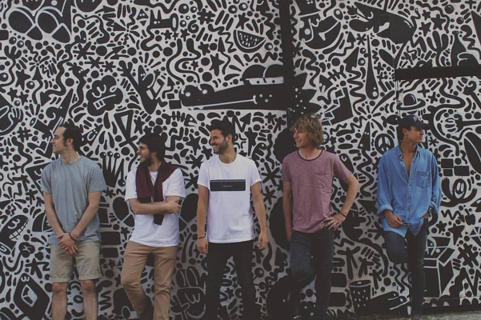 Taburete es la nueva banda española que te hará bailar