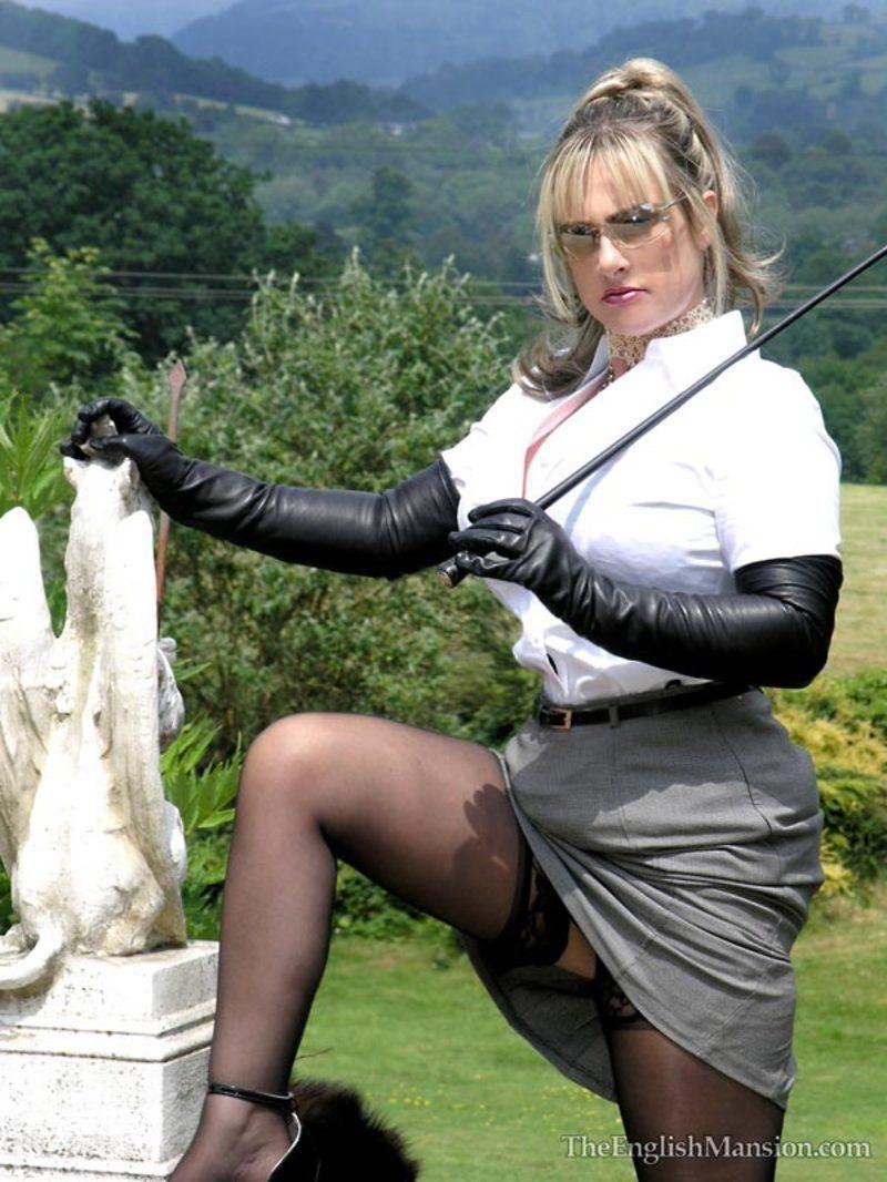 Lady Nina Birch 6