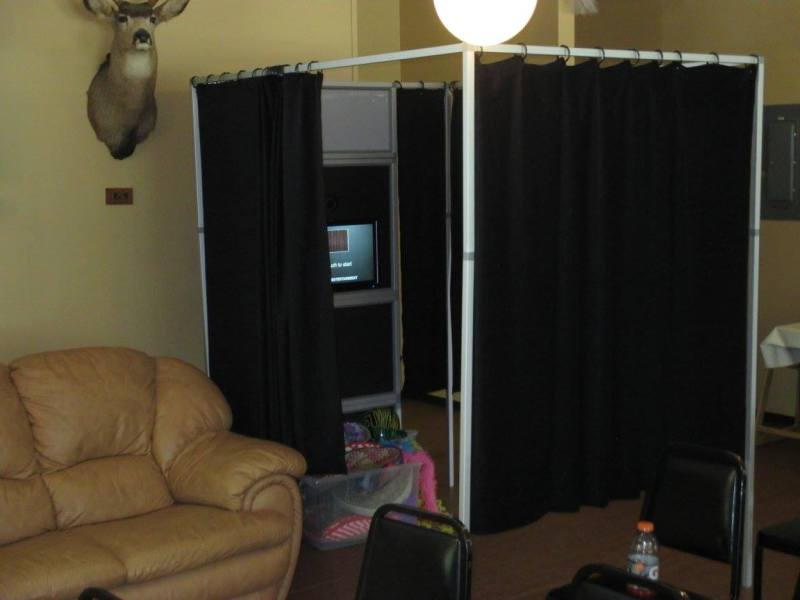 pic3 - PHOTO BOOTH SERVICES:
