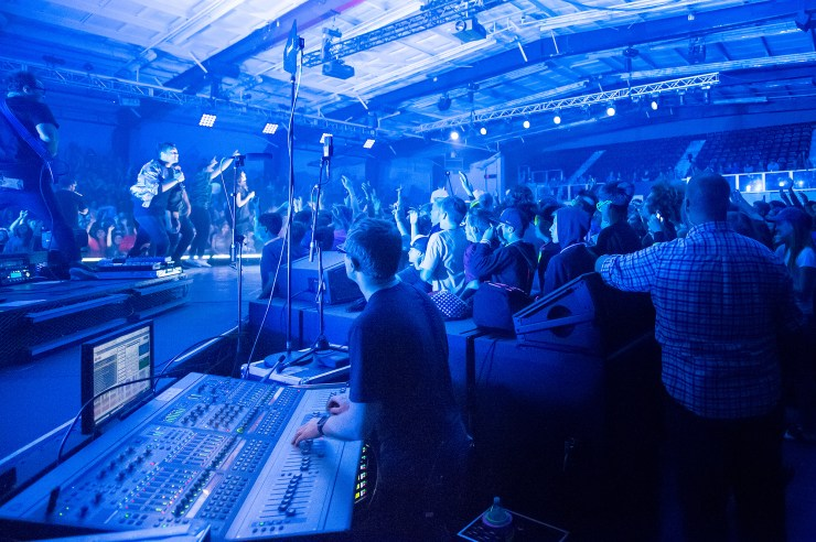 capacity-and-limitation-behringer-x32-drew-brashler-church