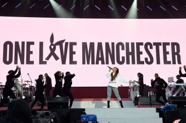 Ariana-grande-01-manchester-benefit-concert-2017-a-billboard-1548