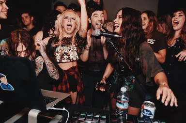 demi-lovato-takes-on-dj-duties-at-emo-night-05