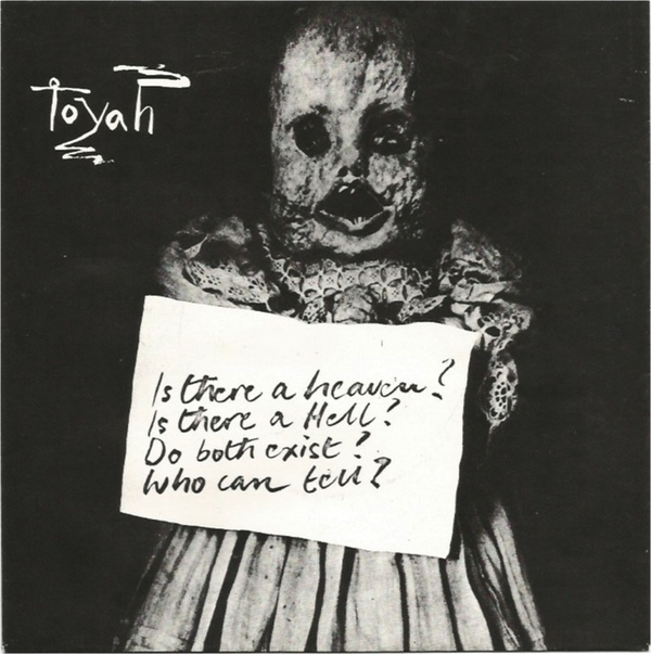 """Toyah """"Victims of the Riddle"""" sleeve"""